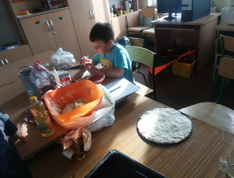 Warsztaty kulinarne z wychowawcą podwórkowym