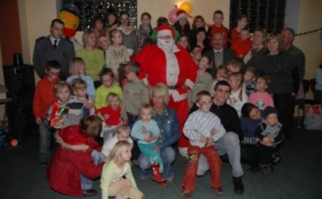 Impreza Mikołajkowa dla najmłodszych mieszkańców Bronowa