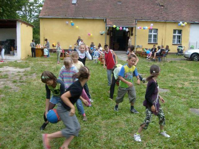 Impreza dla dzieci z okazji Dnia Dziecka  06/2008r.