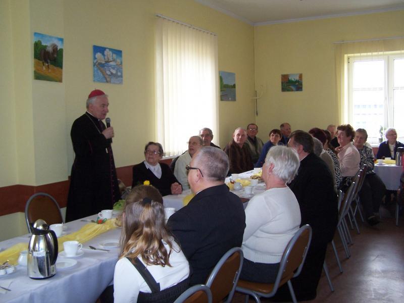Spotkanie seniorów z Promessy z biskupem Zdzisławem Fortuniakiem