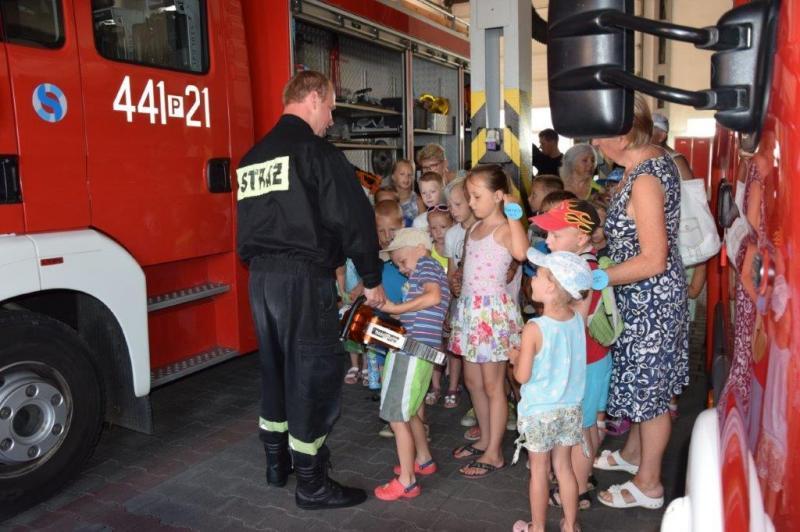 Sprawdziliśmy  jak pomysłowo spędzić wakacje w Powiatowej Komendzie Straży Pożarnej