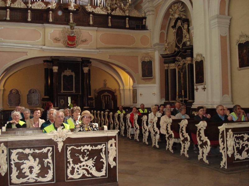 Wycieczka seniorów z Domu Dziennego Pobytu do Klasztoru we Woźnikach
