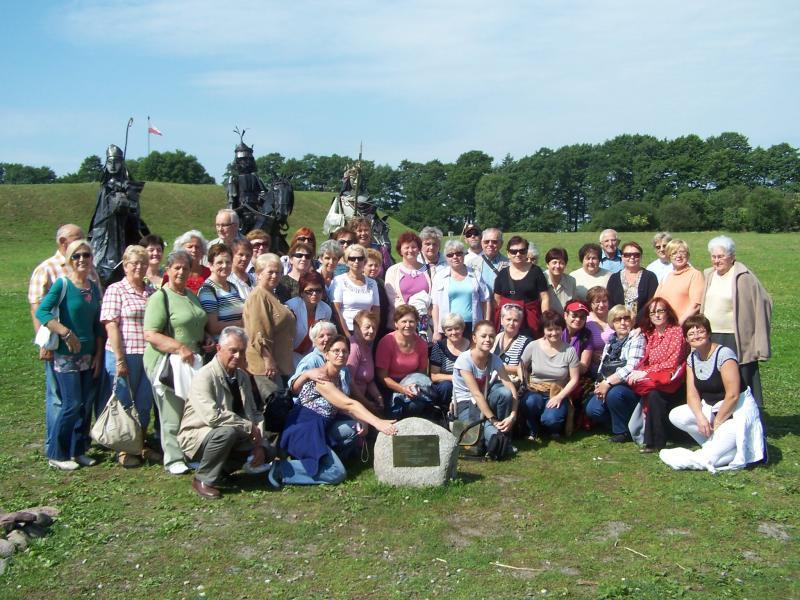 Stowarzyszenie Inicjatyw Społecznych  Grodzisku Wielkopolskim  zorganizowało dla Grodziskiego Uniwersytetu III Wieku w dniu 12 czerwca 2012 roku   wyjazd studyjny SZLAKIEM PIASTOWSKIM.