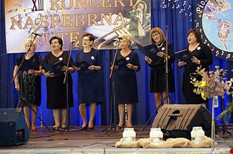 Debiut naszych  koleżanek na XIII. koncercie Srebrnej Nuty