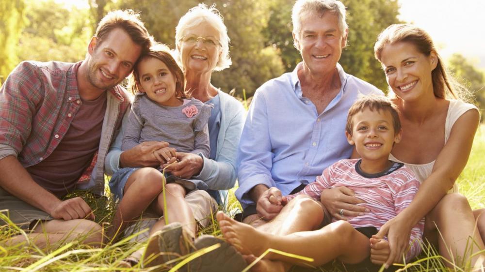 zdjęcie rodziny wielopokoleniowej