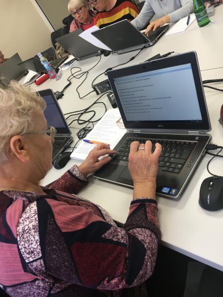 Projekt ,,CYFROWA WIELKOPOLSKA dla osób powyżej 65 roku życia