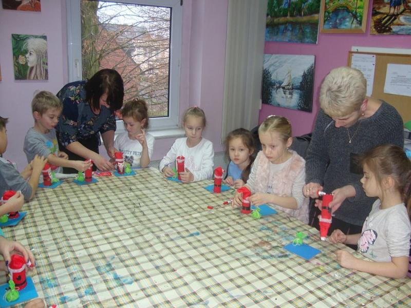 Dzieci - dzieciom, babcie- wnukom