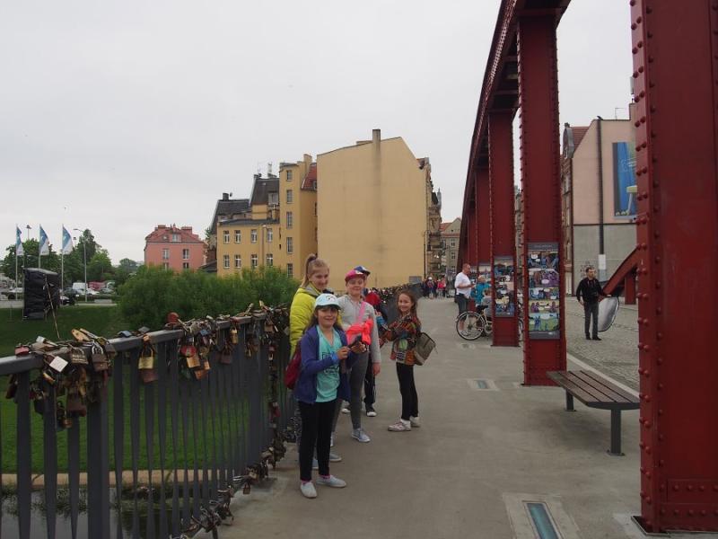Studenci - dzieciom na rajdowym szlaku