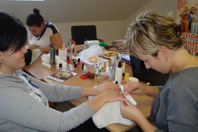 Kurs Wizaż z pielęgnacją dłoni i paznokci w obiektywie