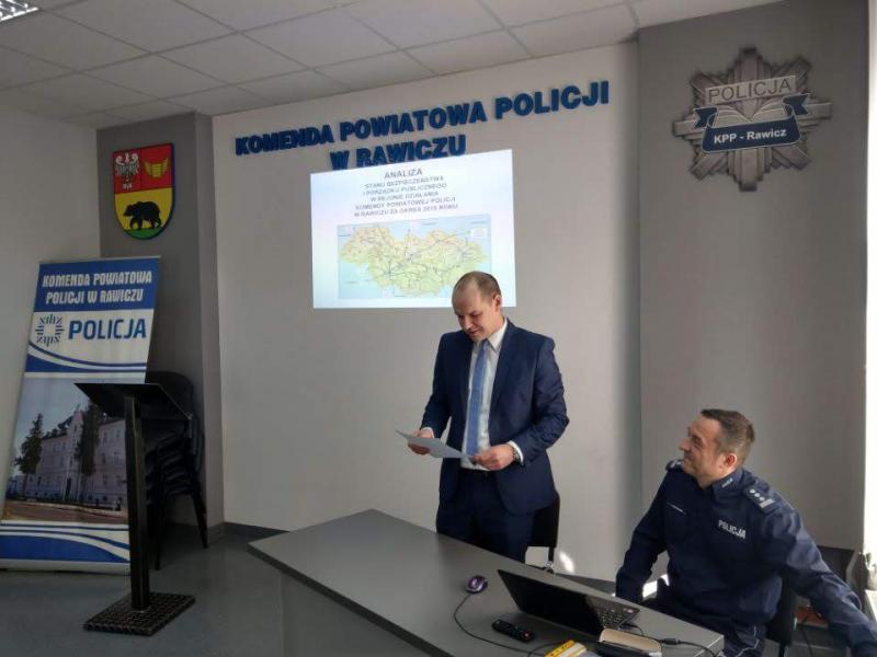 O działalności PCPR na posiedzeniu Komisji Bezpieczeństwa i Porządku Publicznego