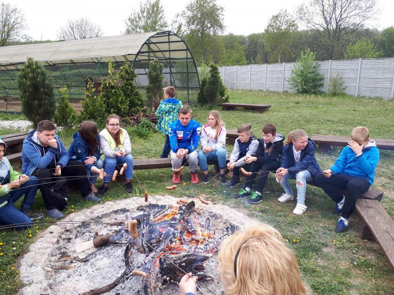 Wycieczka dla rodzin zastępczych do Deli Parku w Trzebawie pod Poznaniem.
