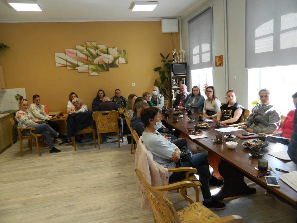 Zdjęcia ze spotkania informacyjno-organizacyjne i warsztatów grupowych z psychologiem